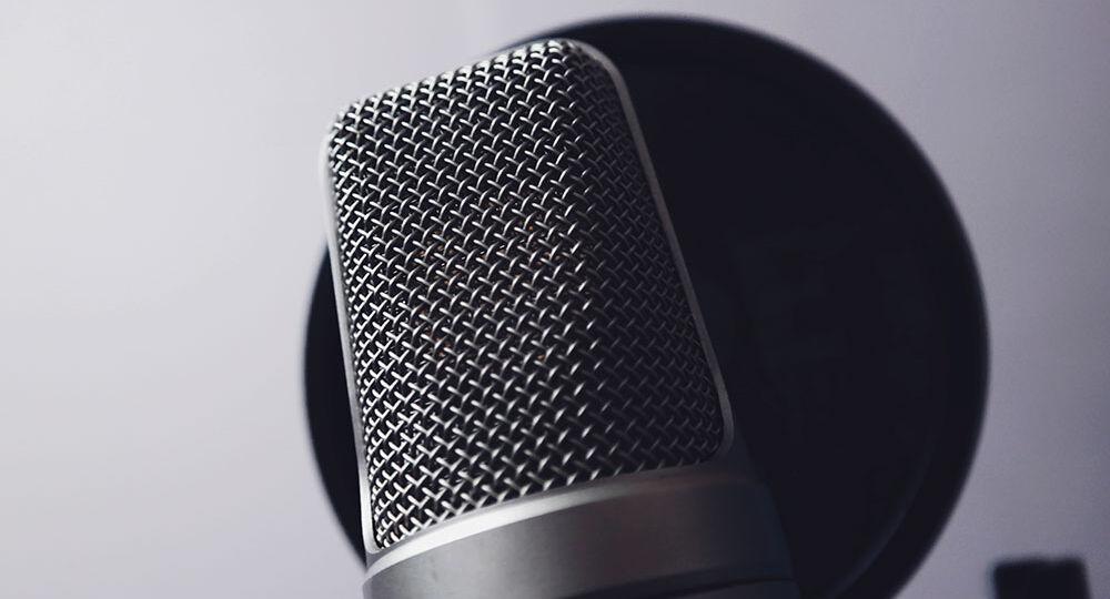 locutor-microfono